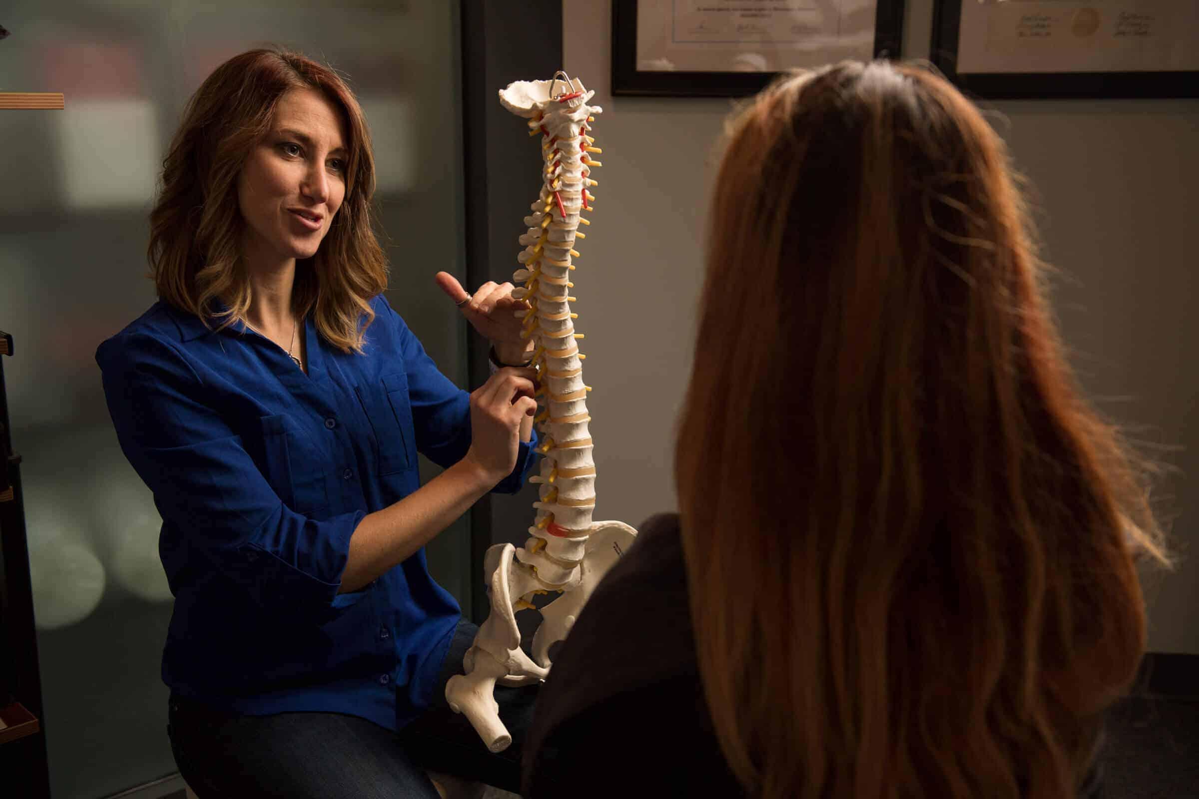 Dr. Jasmine Craner explaining how the spine works